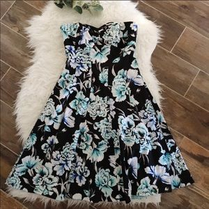 White House Black Market Floral Fit & Flare dress